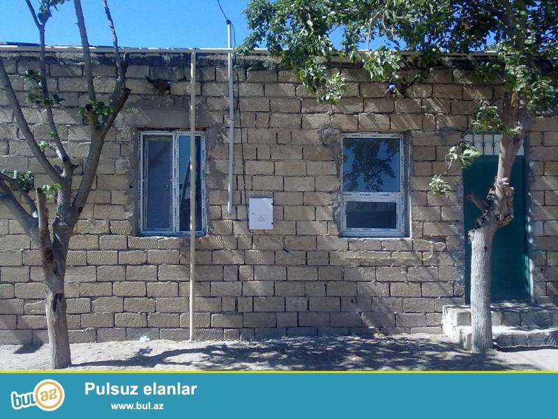 11000 manata buzovna qesebesinde ev satilir