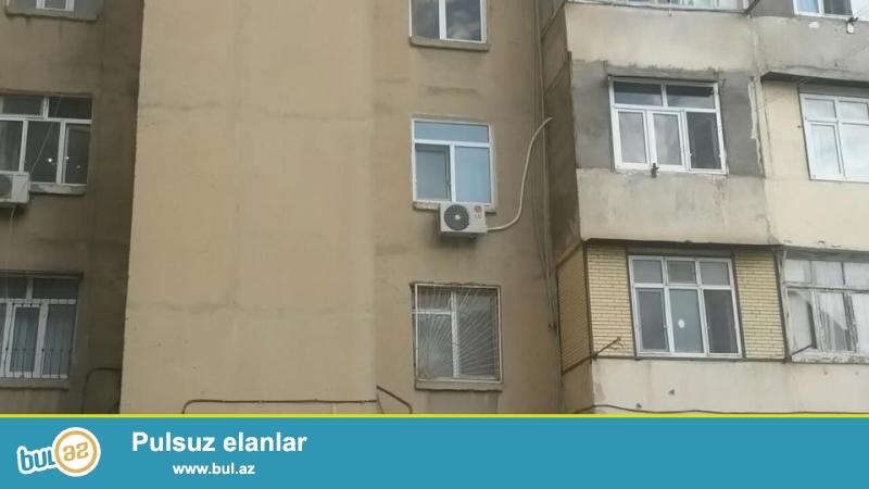 Ehmedlide, H. Aslanov metrosunun yaninda 2 otagli ev satilir, kiyev layiheli, 9/3, ayri, işigli otaglar, 3 otaga duzelme, orta temirli,  plastik pencereler, temiz, rahat ev...