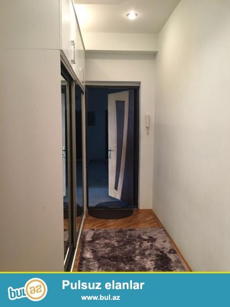 В районе Ясамал, около круг Гелебе, в заселенном комплексе с Газом сдается 2-х комнатная квартира, 17/15, общая площадь 65 кв...