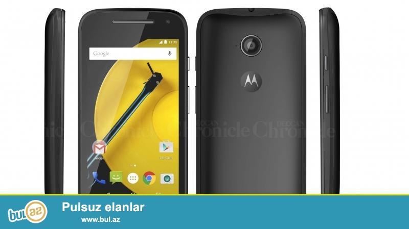 Şəkildə gördüyünüz telefon Motorola E 2nd edition (2ci