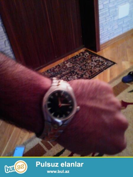 Saat bahali saatdi 15 azn ucuz verirem 50 metr suya dayaniqlidir qmax firmasidir