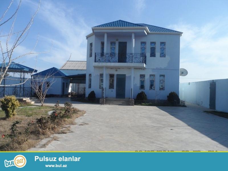 Срочно! Продается 2-х этажный особняк в посёлке Шувалан - маяк то есть за Зияретгахом...