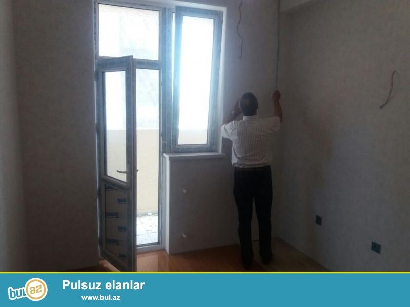 Очень срочно !!! В центре  Хырдалана  в элитном комплексе Кристал  Абшерон   продается 2-х комнатная квартира нового строения , 8/14 , площадью 61,6 квадрат, квартира с  ремонтом...
