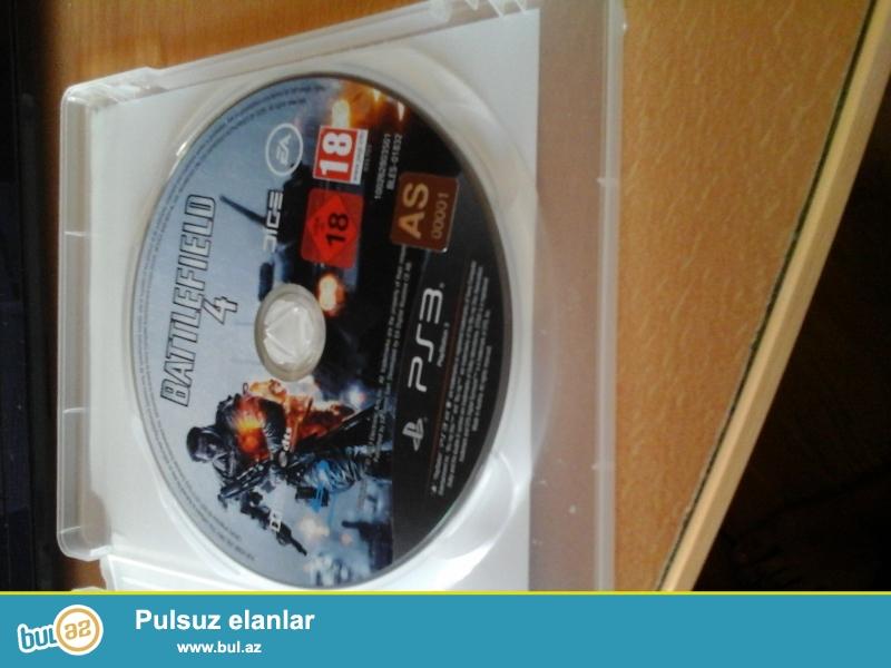 Playstation 3 satıram,əla vəziyyətdə. İçində PES 2016 var...