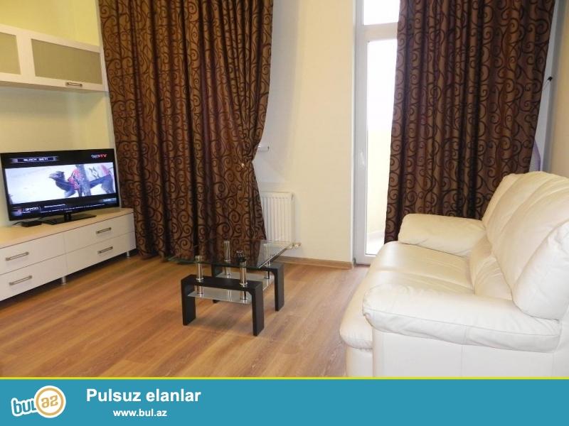 Gunuk kiraye evler Bakida.<br /> Seherin merkezinde 2 otaqli ev gundelik kiraye verilir...