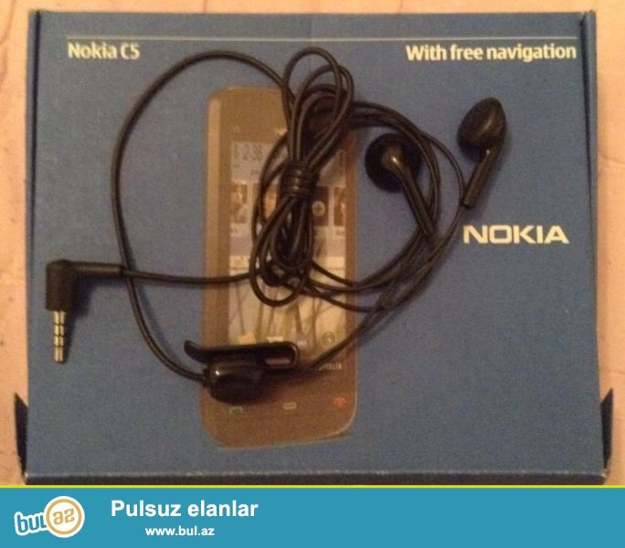 Original Nokia qulaqciq qutuda qalib coxdannan indi bulardan redki tapmaq olur<br /> Nizami metrosu<br />