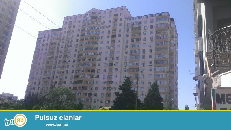 """Сдается 2-х комнатная квартира в новостройке """"Гелебе МТК"""" около метро Иншаатчылар, над магазином «Леззет», 60 кв..."""