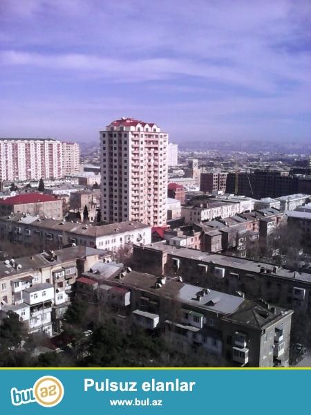 Nerimanov metrosu yaxinliginda yeni tikili binada,16 mertebeli binanin 14-cu mertebesinde, 4 otaqli,sahesi 214 kvm olan menzil satilir...