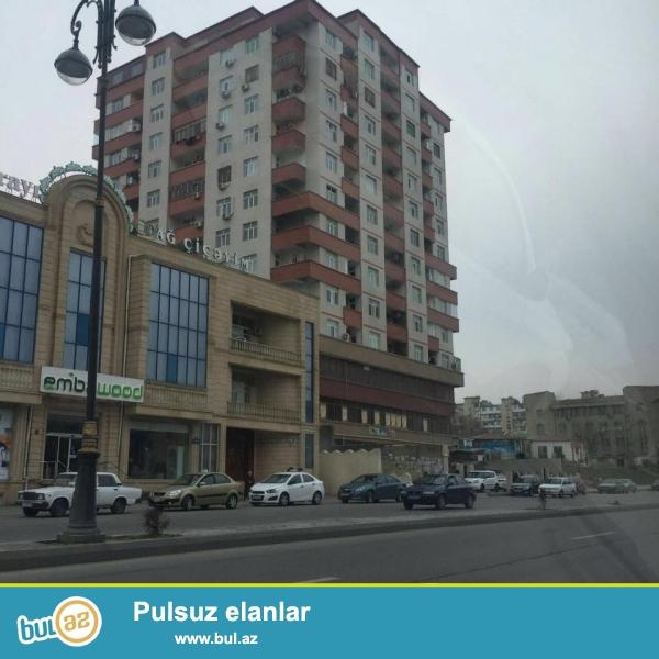 СРОЧНО!!! В районе Ясамал, рядом с метро Иншаатчылар, около Аг чичейим, в элитно- заселенном комплексе с Газом продается 2-х комнатная квартира, 20/11, общая площадь 55 кв...