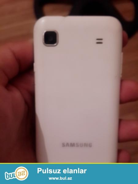 Samsung Galaxy S GT-I9003<br /> 4 GB yaddas,Ön ve Arxa Kamera, Whatsap,Skaype,instagram ve diger proqramlari destekleyir...