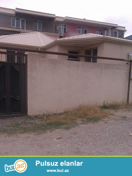Bineqedi qesebesinde merkezde bir heyetde 2 ev satiram...