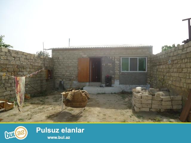 Sabunçu rayonu Maştağa qəsəbəsi, 2 sot torpaq sahəsində 2 daş kürsülü, ümumi sahəsi 65 kv...
