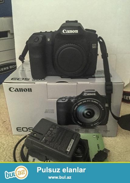 Canon EOS 50D 15.1 MP Digital SLR Camera.<br /> .<br /> istifadəçi kitabçası:<br /> <br /> Brand Canon<br /> Model EOS 50D<br /> Əsas Xüsusiyyətlər<br /> Camera növü Digital SLR<br /> Kamera qətnamə 15...