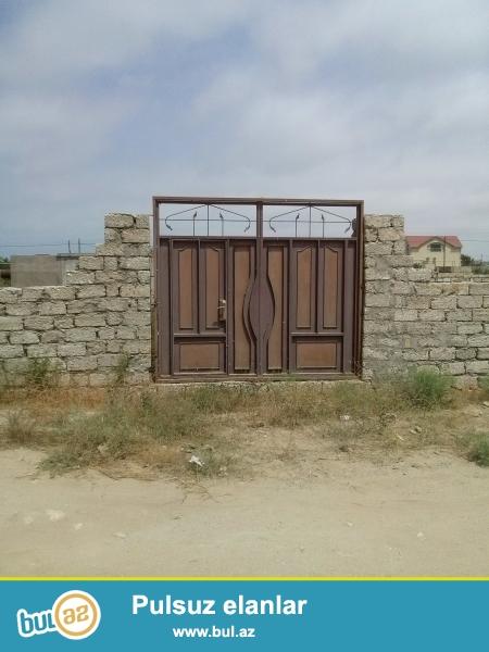 Ləhiş bağlarında 4-sota yaxın torpaq sahəsi satılır daş hasarı və yeni darvazası var.