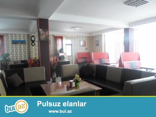 Nizami rayonu,Çobanzadə küçəsində,1.3 hektarda,aylıq arendası 70 min manat olan,böyük restoran-əyləncə mərkəzi satılır...