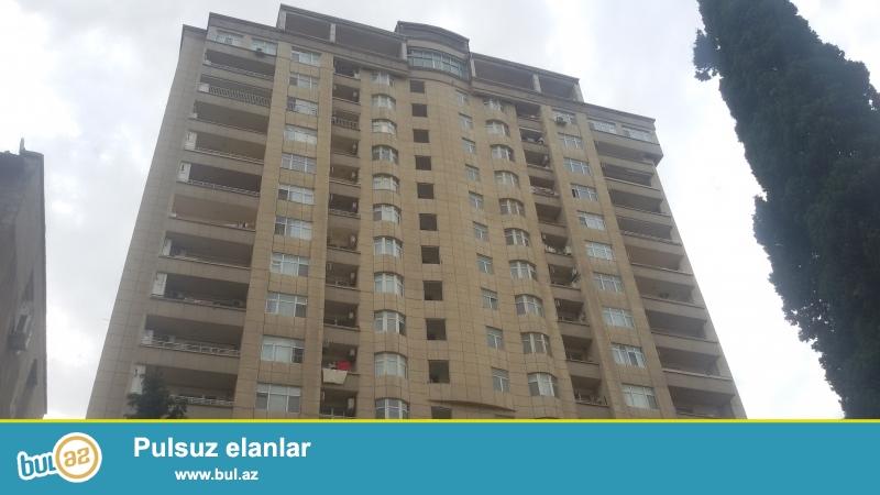 ƏLA TƏKLİF !!! Şəhərin ən prestijli yerində, Elmlər Akademiyasi metrosunun yanında, QAZLI yeni tikili binada 3 otaqli mənzil satilir...