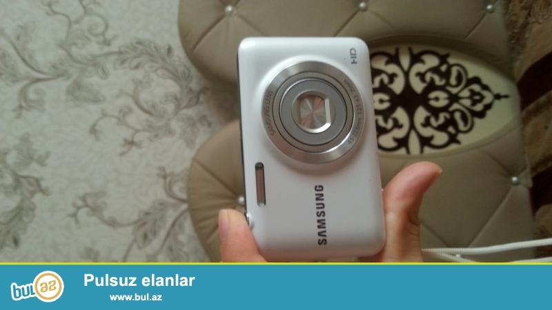 Samsung lens HD ela veziyyetedir  hecbir problemi yoxdu...