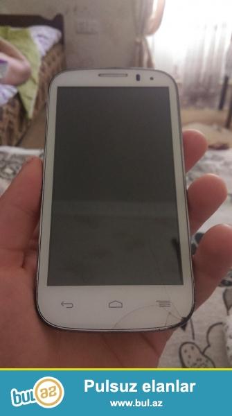 Telefonun ekraninin awagisinda cati var.ustunde adabdr verilir