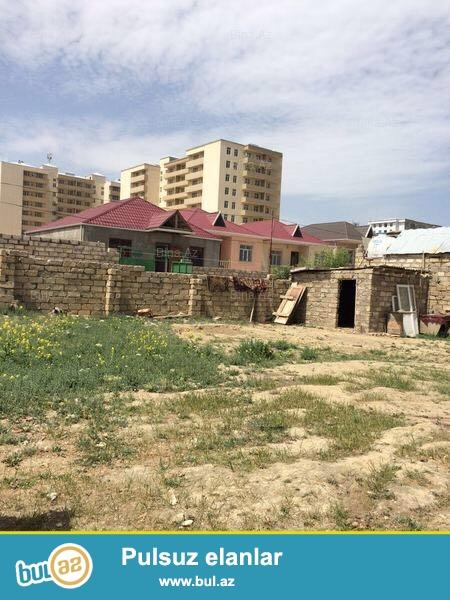Abşeron rayonu Məhəmmədi qəsəbəsi, Araz marketin yaxınlığında, 4 tərəfi hasarlanmış 3 sot torpaq sahəsi satılır...