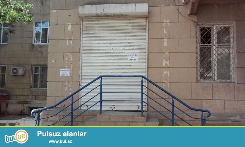 В престижном месте, рядом с метро Эльмляр Академиясы, около Апелляционного Суда сдается помещение с общей площадью 60 кв...