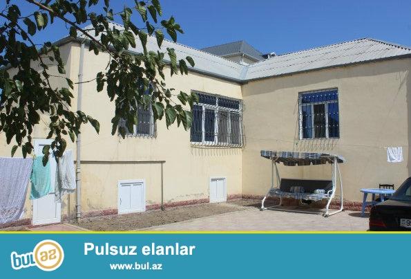 Sabunçu  rayonu  Zabrat 1 qəsəbəsi, 81 nömrəli  orta  məktəbin, bağçanın  yaxınlığı, 15-ci polis  bölməsindən 400 metr məsafədə, 3...