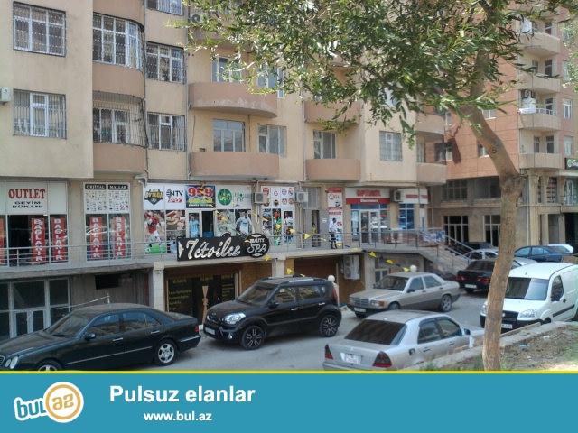 """""""İnşaatçılar"""" metrosundan ayaqla 10 dəqiqəlik məsafədə yerləşən, """"Arabaçı MTK"""" tərəfindən inşa edilmiş, ümumi sahəsi 140 kv..."""