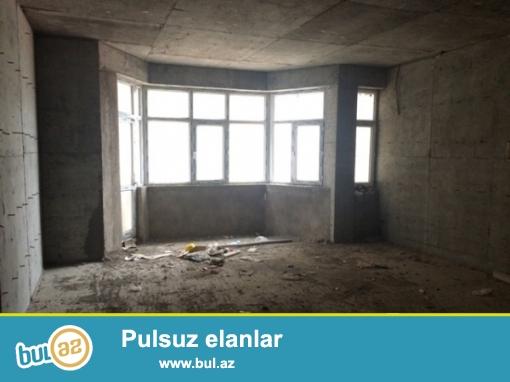 Yasamal rayonu şərifzadə küçəsi,yenitikilinin altı 570kvm  təcili obyekt satılır  təmirsizdir...