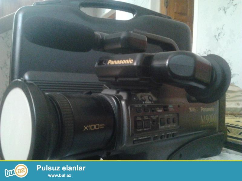 Panasonic m9000 Kamera satilir. 1200 manata almishdim tecili pul lazim oldugundan satiram 300 manata, isdeyen olsa ucuzda vererem...
