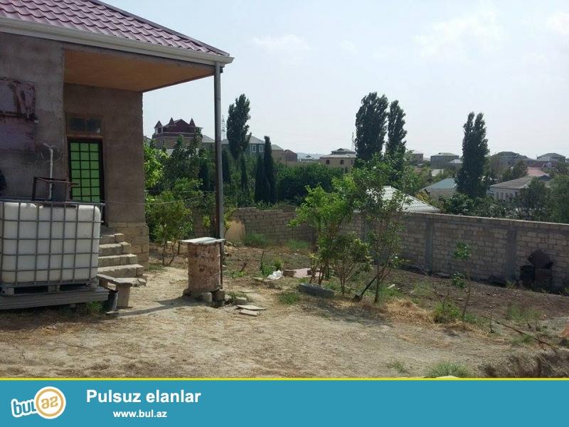 Abşeron rayon,Masazır qəsəbəsi H.Z.Tağıyev küçəsində 5 sot yarımın içində 3 otaqli fərdi yaşayış yeri satılır...