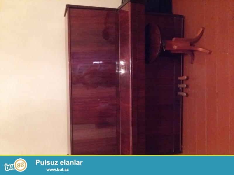 Belarus pianosu satilir stulu ile bir yerde. Cox istifade olunmuyub...