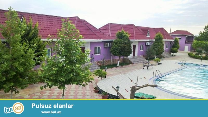 Срочно! В поселке  Мердекан  , рядом с новым афтобамом  Бузовна –   Шувалан , продается  дачный дом как мини пансион, площадью 600 квадрат, 8-и комнатная, расположенная на 24 сотках приватизированного  земельного участка...