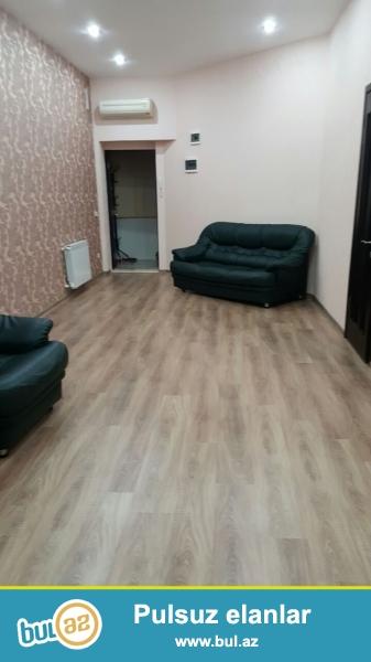 В центре города, по улице Бакиханова, в элитной новостройке с Газом и Купчей продается 4-х комнатная  квартира...