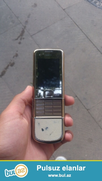Nokia 8800 saphire gold. kamerasi islemir  deye bele ucuz satiram...
