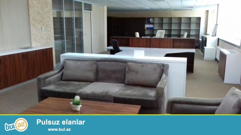 Ofis arendaya verilir, tam təmirli, bütün ofis avadanlıqlarla birlikdə, 1 böyük zal-otaq, 1 əlavə otaq, 2 WC, 1 mətbəx...