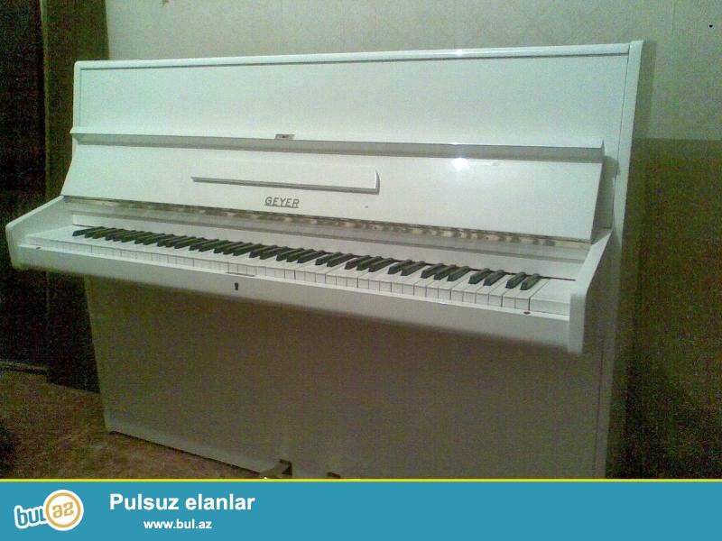 Almaniya istehsali, Gerbshtadt, Ronish, Fush 7 Mohr pianinosu, ag rengde, ideal veziyyetde.