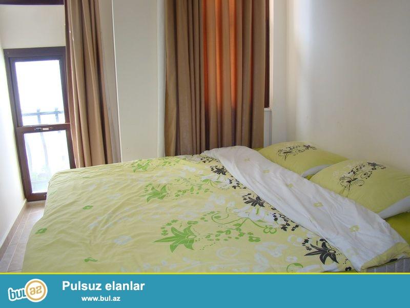 Təklif olunan villa bütün mebelləri ilə satılır. Ümümi sahəsi 135 m2-dı, iki mərtəbədən ibarətdi...