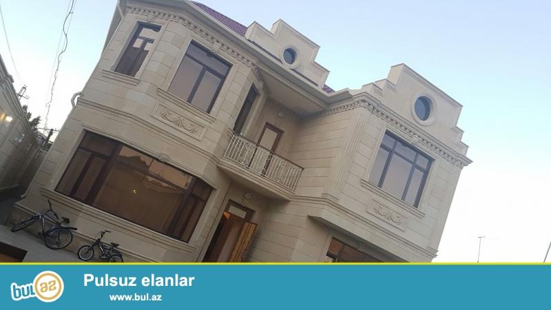 Razində Asan xidmətin yanında  4 sot həyət, 211kvm villa...