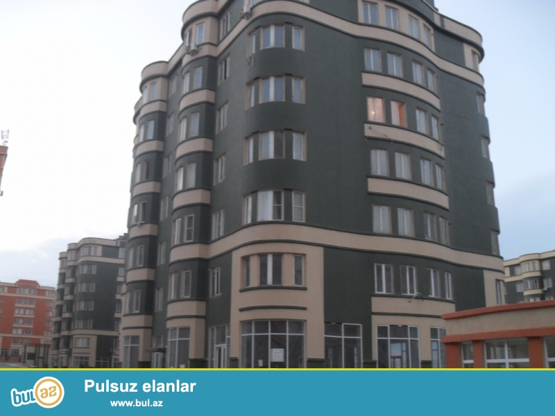 Masazırda , Yeni Bakı Yaşayış kompleksində , Baxça ilə üzbəüz 1x2 pridelka olunan mənzil satılır ...