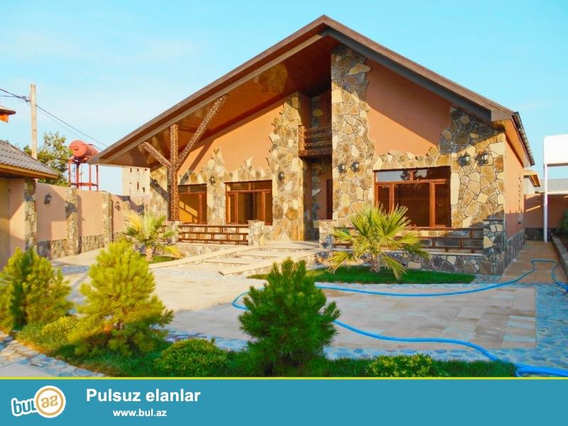 **РУФАТ*АЙНУР** Продается новопостроенный дом-дача в стиле модерн в Мардакане, возле трассы, на 6-ти сотах приватизированной земли, 1но этажный, отличный проект, 4 комнаты, 130 кв...