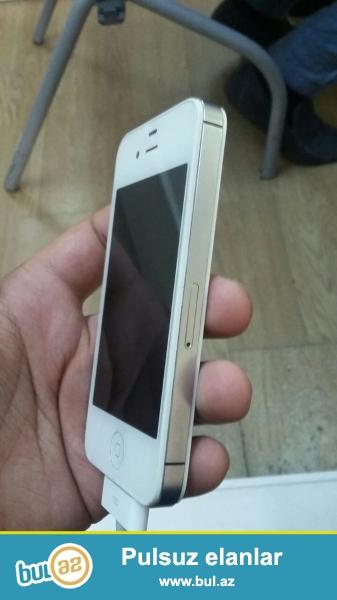 Iphone 4s. Cox seliqeli islenib. Teze kimidir. Ustada olmayib...