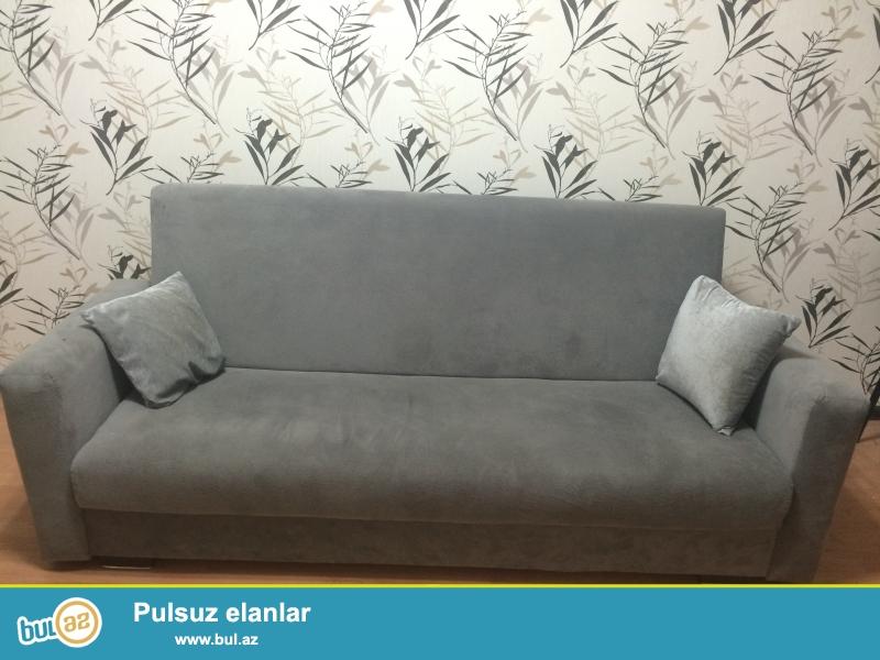1 il olmaz alınıb, çox az və səliqəli istifadə olunub. Qupkasi yumşaq, materialı təzədir.