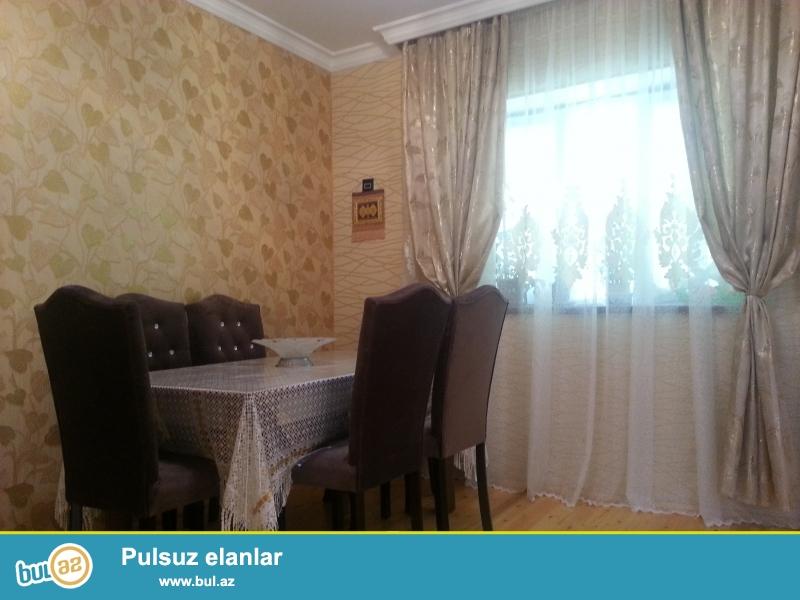 Komsomolski dairesi yola cox yaxin yerlesen teze tikilmis heyet evi satiram...