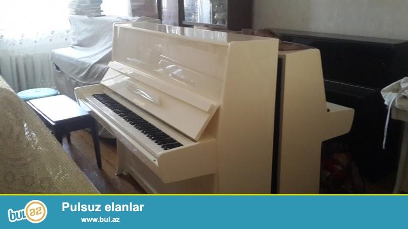 Pianino ustasiyam, uzun muddetle zemanetle ag rengde ideal veziyetde Fantaziya pianinosu satiram...