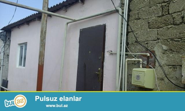 Təcili satılır  Sabuncu rayonu Maştağa qəsəbəsində Firat mebel evinin arxasında ümumi sahəsi 40 kv...