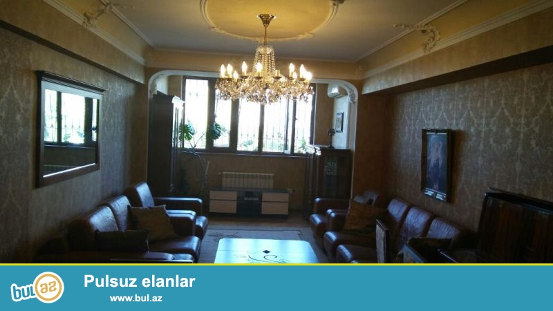 """""""GARANT EMLAK"""" TEKLİF EDİR!!! Nerimanov rayonu,Atatürk prospekti ile Kral Hüseyn küçesinin kesişmesinde, """"Zivella"""" mebel salonunun tam yaxınlığında yerləşən 9 mərtəbəli binanın 3-cü mərtəbəsində 2 menzilin 3 ve 2 otaqli menzilin birleşmesinden olan 5 otaqli,ela təmirli, ideal proyektli mənzil arendaya (icarəyə) verilir..."""
