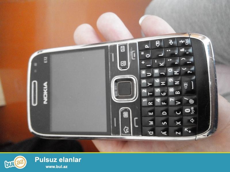 telefon end birinciden ozumde olub.he bir weyi yoxdu bidene adaptri var...