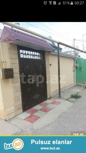 3 otaqlı tam təmirli həyət evi satılır .<br /> Xırdalan şəhərində 7 nömrəli məktəbdən yuxarıda( Uğur marketdən 500 metr məsafədə) ...