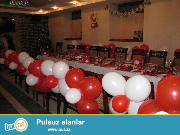 Xetai rayonu Yusif Seferov kucesinde 5 mertebeli binanin Yari Zirzemisinde 2 boyuk zaldan kabinetlerden, karaoke zalindan ibaret olan Gozel restoran satilir...