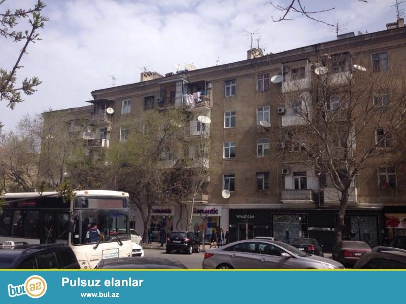GARANT EMLAK TEKLİF EDİR!!! Nerimanov r,Nerimanov metrosu,Cudo pechka ile uzbe uz 5 mertebeli binanin 5-ci mertebesinde 2 otaqdan 3 otaga duzelme temirli menzil satilir.