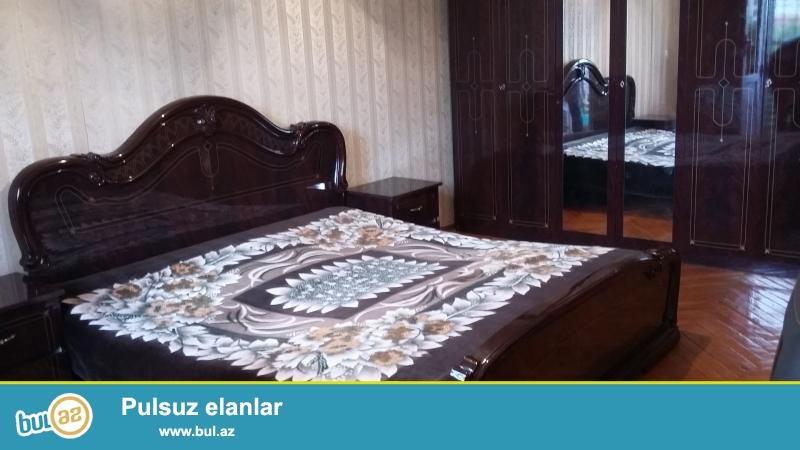 Tbilisi prospektinde Avropa otelinin yani 5/4 ,3 otaqli  orta temirli menzil kiraye verirem...